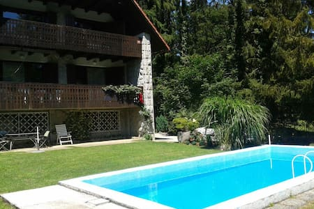 Villa Krka with pool - riverside - Krka - Casa