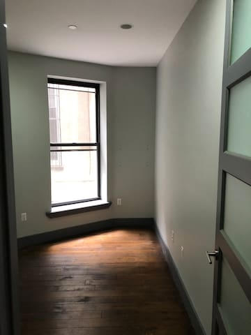 Sublet. Recently renovated apt, Pacific & Nostrand