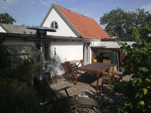 Separat hus 50m2 nær fin badestrand - Vig - 小木屋