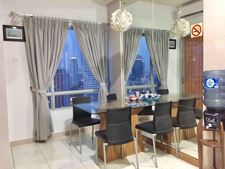 Comfy Home Away, 2BR Apartment in Sudirman