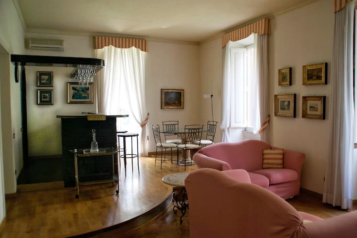 NEW!!! Romantic loft in the heart of Rome