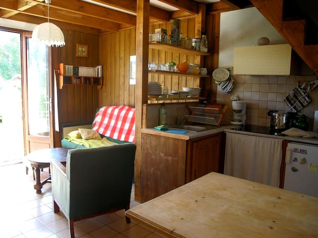 Séjour familial dans les Pyrénées   - Font-Romeu-Odeillo-Via - บ้าน