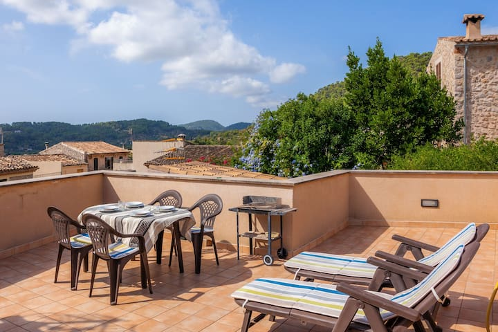 With roof terrace and mountain view - Apartment Caimari-2