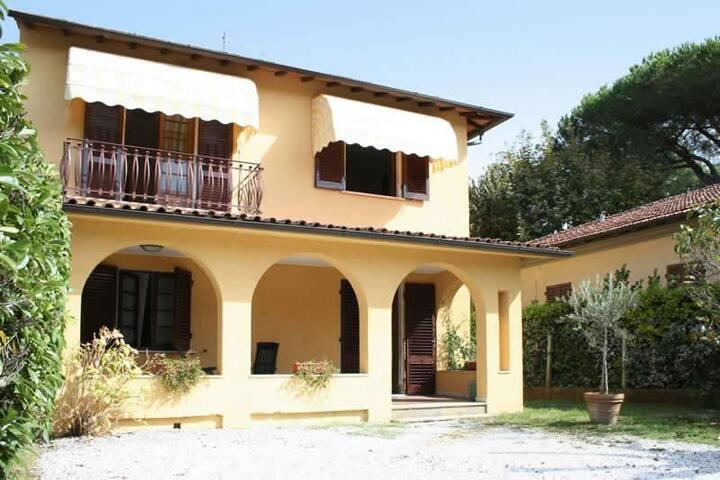 Villa Alessandro