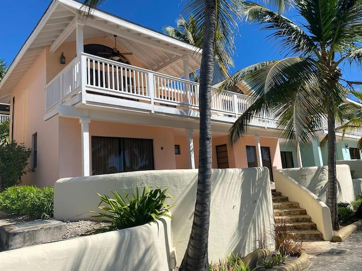 Lovely villa in St James Club Antigua