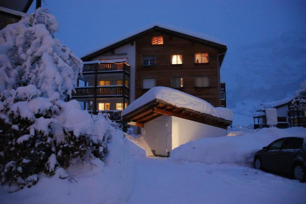 Casa Kras in winter (top two floors)