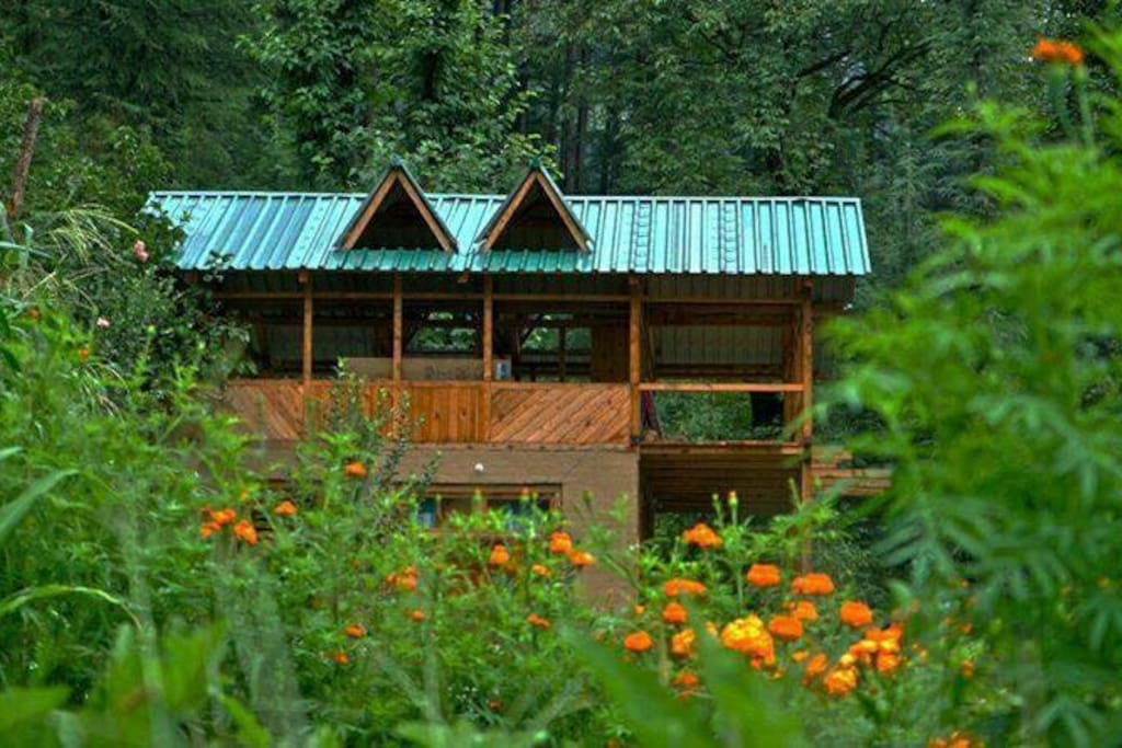 Eco friendly living in the lap of nature