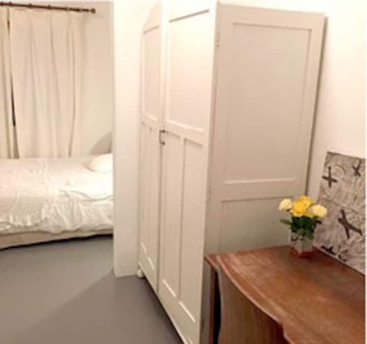 Private cottage Upper Glenwood