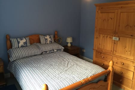 Nautical Double Room + Parking - Brightlingsea