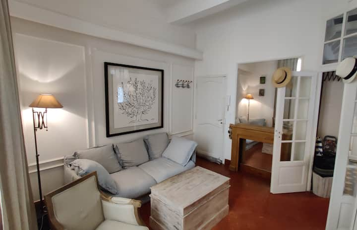 Modern & welcoming apartment in Antibes