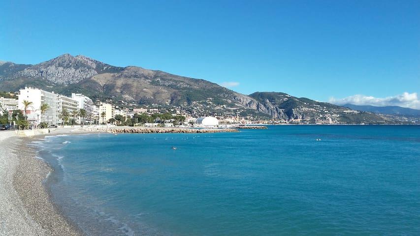 3 P, bord mer, Roquebrune-Cap-Martin, Côte d'Azur