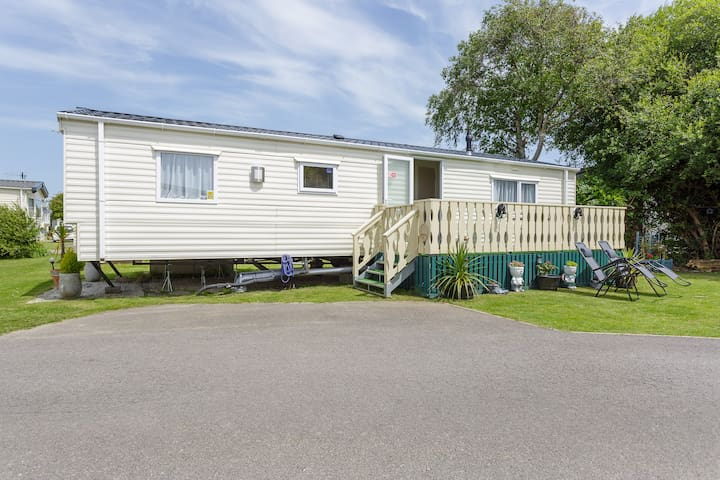 Selsey Retreat Caravan Rental
