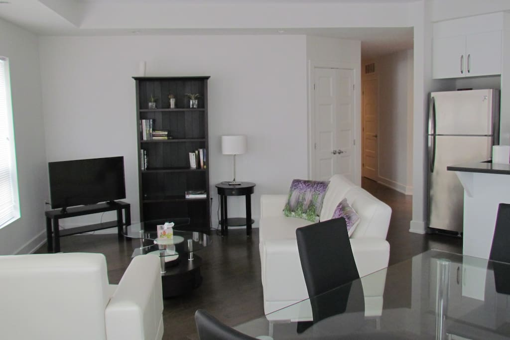Modern, Comfortable Living area.  Smart TV has internet access only - bring your own Netflix login