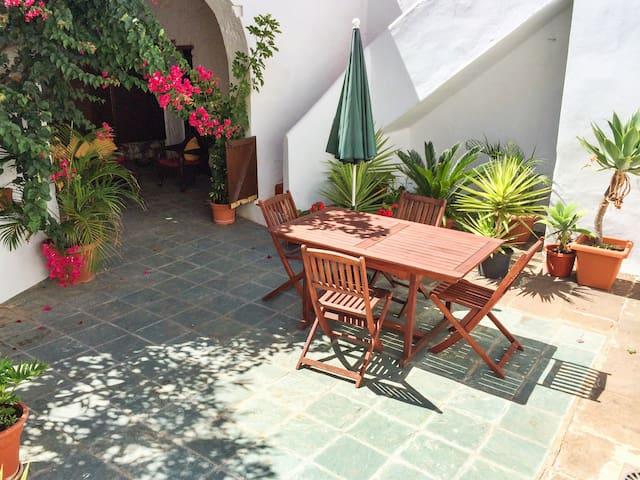Spaziosa casa con giardino & Wifi