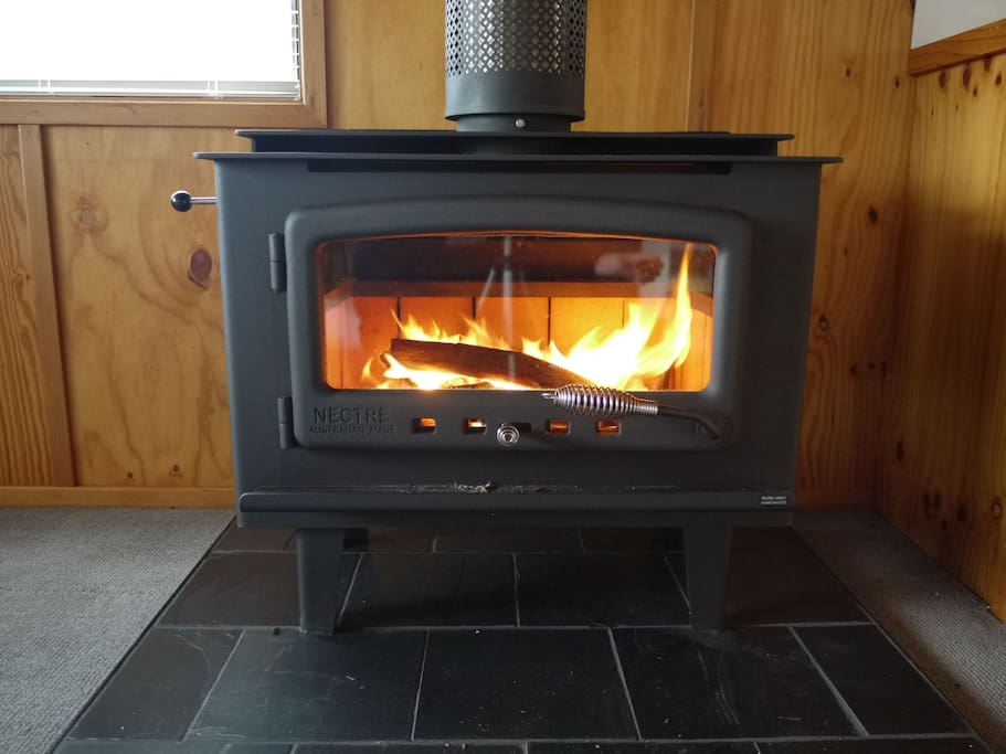 Hot fire place with air conditioning