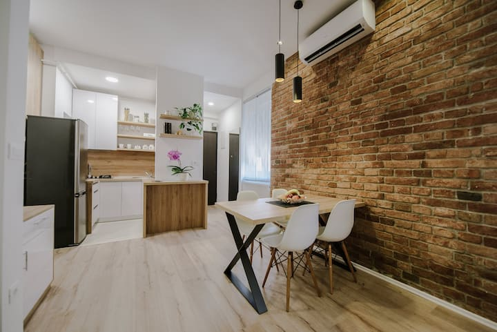 British Square Apartment by First Choice