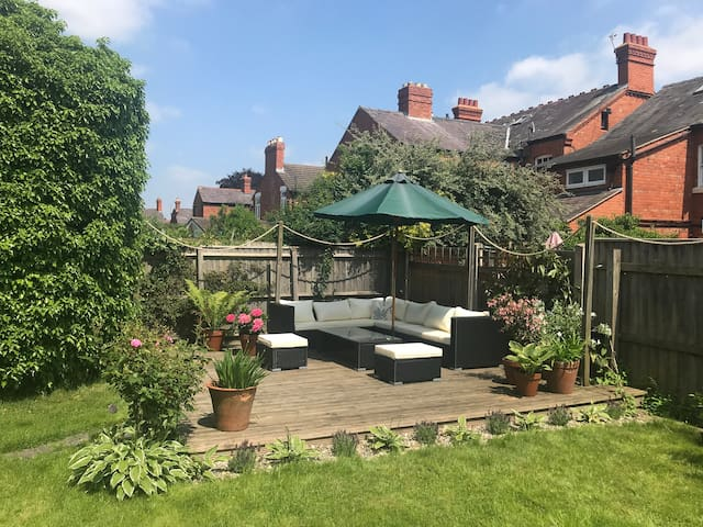 Stunning Victorian Terrace House with Large Garden