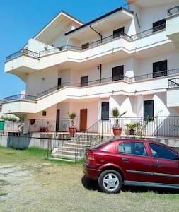 Nuovi appartamenti a 150 m dal mare - Nicotera Marina - Huoneisto