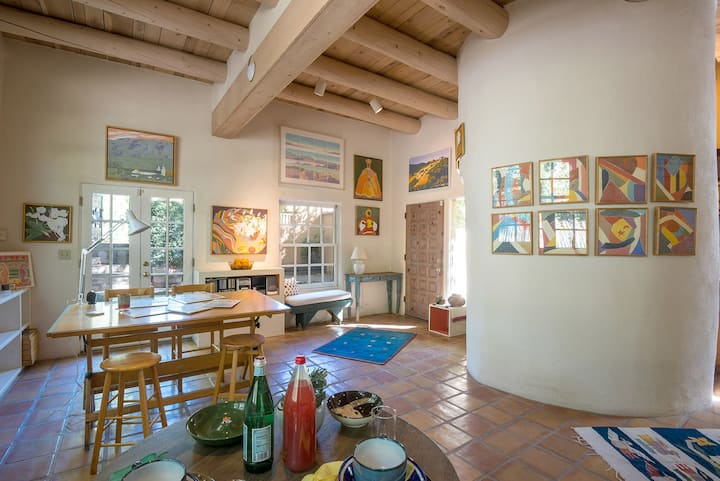 Canyon Road Artist's Retreat in Heart of Santa Fe
