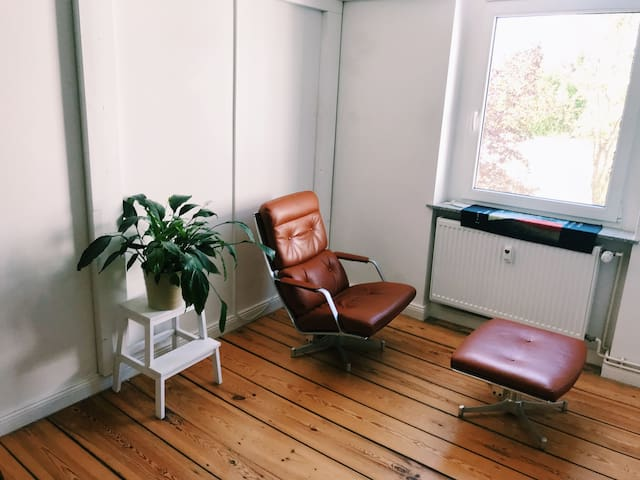 Bright and cozy room in Neukölln