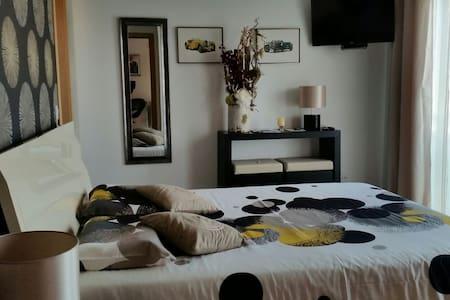 Chambre (sdb+wc) privée, piscine - Nadadouro