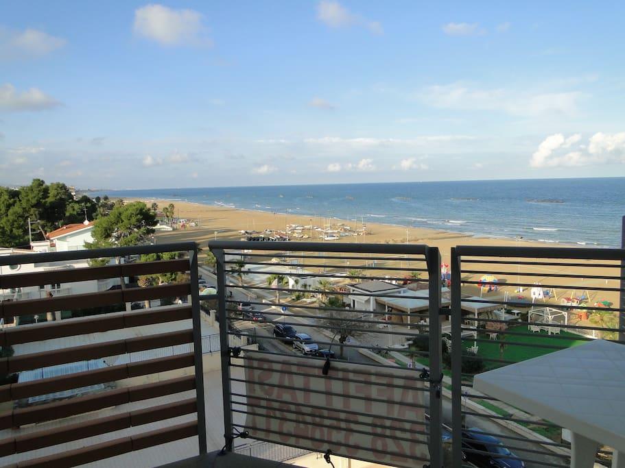 Appartamento nuovo fronte mare