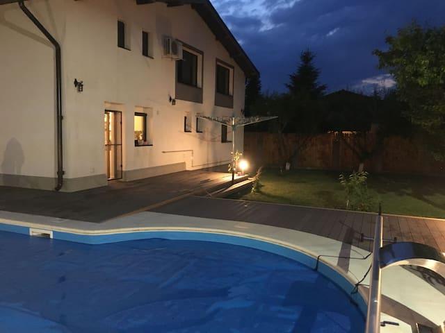 Modern Villa on Snagov area, 25 min from Bucharest - Ciofliceni - Casa