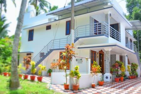 Bougainvillea Homestay - Deluxe Room Apartment
