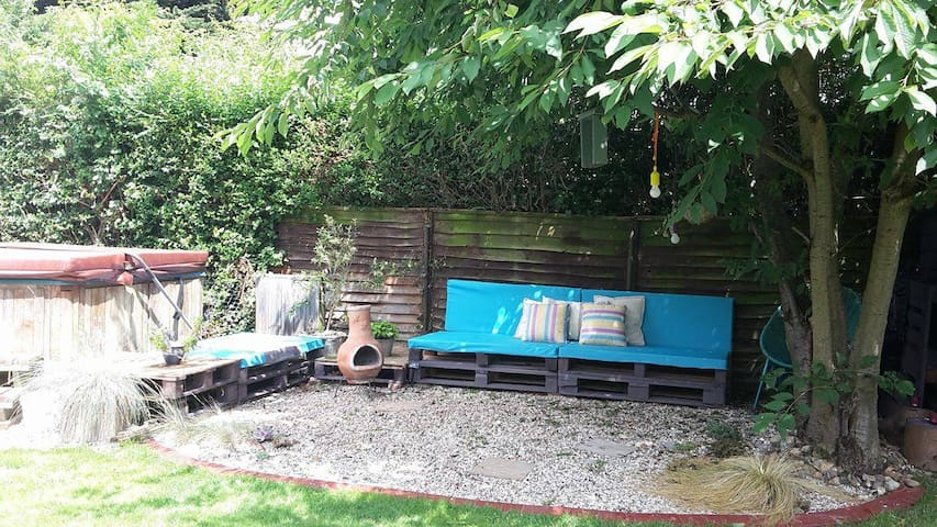 Lovely seating area near hot tub
