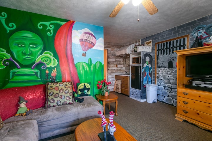 Wizard of Oz Suite in Wamego Motel