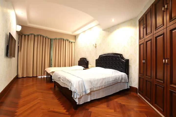 温馨家庭大床房