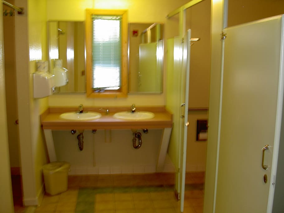 Inside one of the Nanjemoy Cabin bathrooms