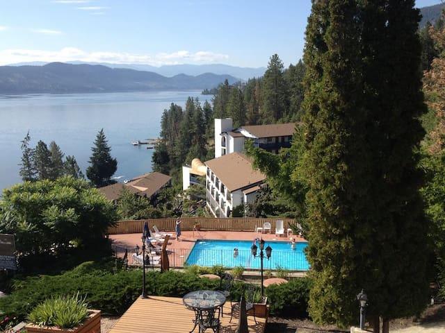 Lake Okanagan Resort!