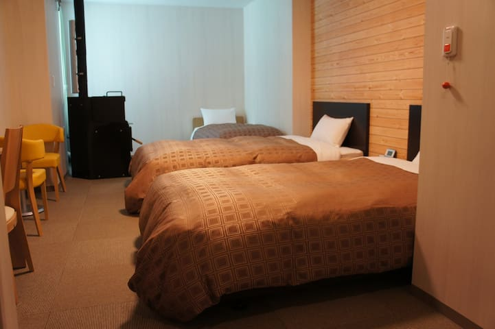 【Omakase】 Western-style room (1-3 people)