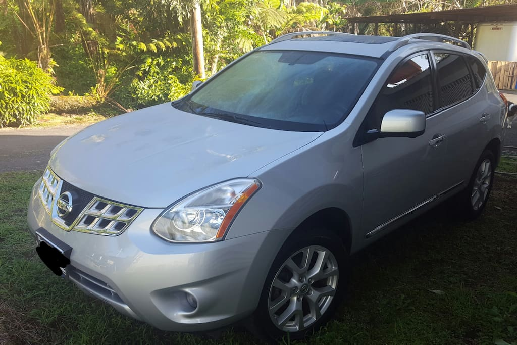 2012 Nissan Rogue available for rent!