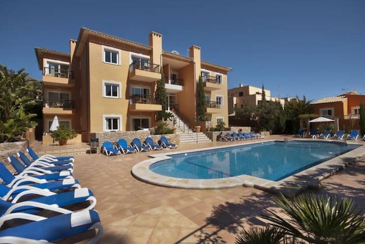 Pool apartment in Cala S Vicente, 527
