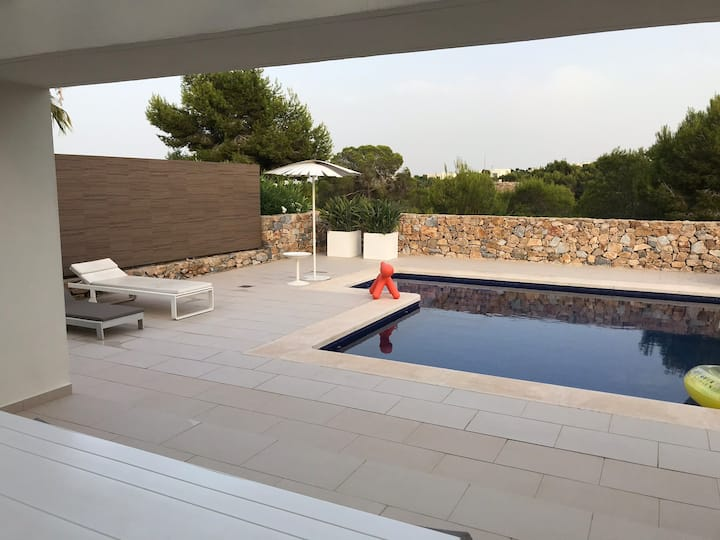 Las Colinas villa with private pool