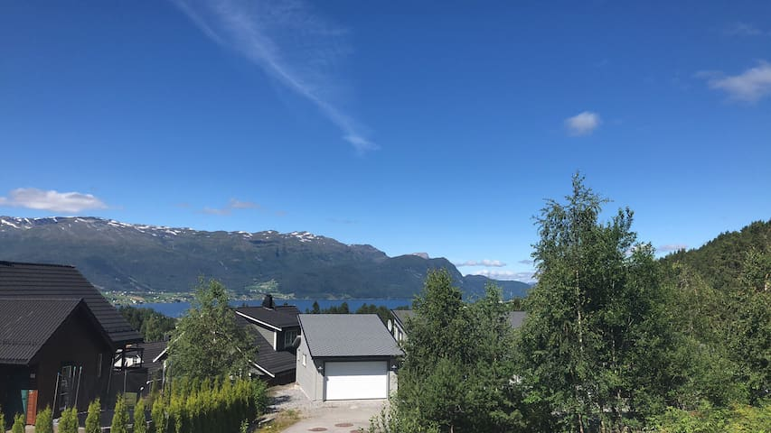 Family-friendly apartment in beautiful Nordfjord