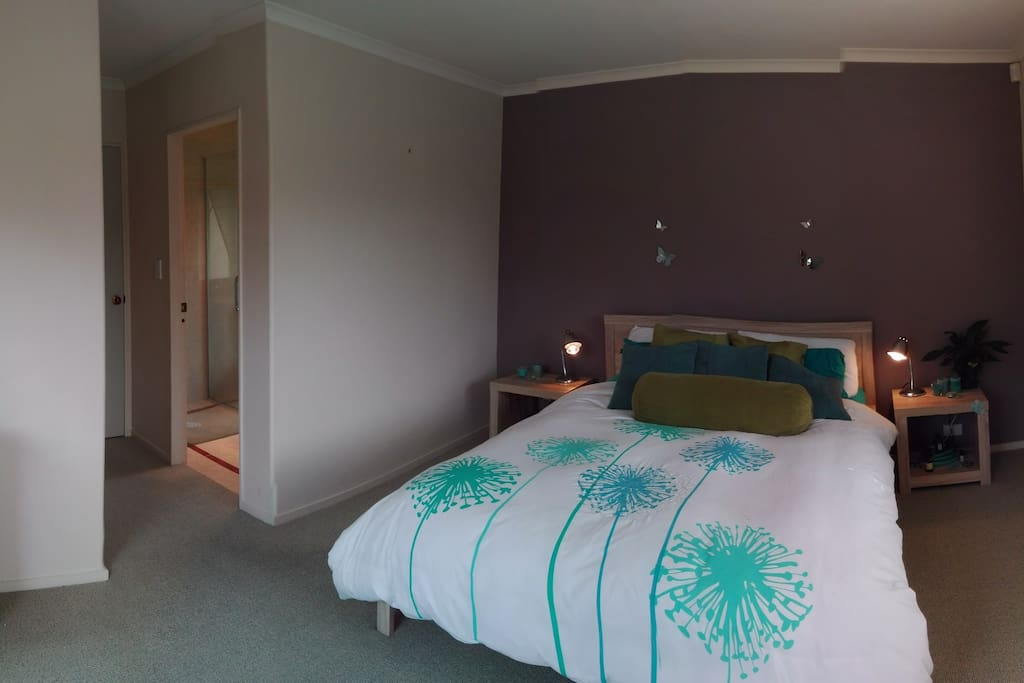 Your Spacious Room with Ensuite & Walk-In Robe
