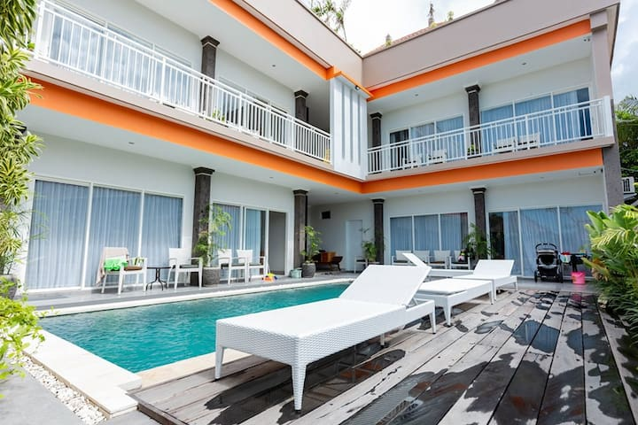 Private Rooftop Studio, Central Location - Canggu