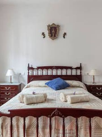 BED AND BREAKFAST EN TÍPICA CASA SEVILLANA