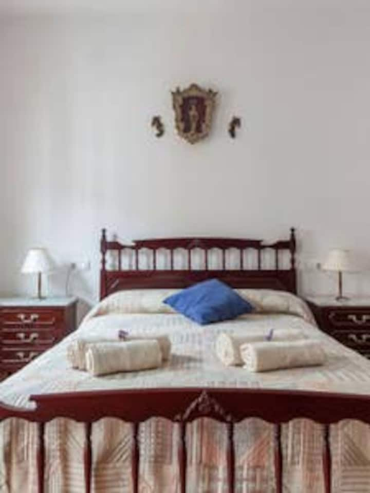 BED AND BREAKFAST EN TÍPICA CASA SEVILLANA