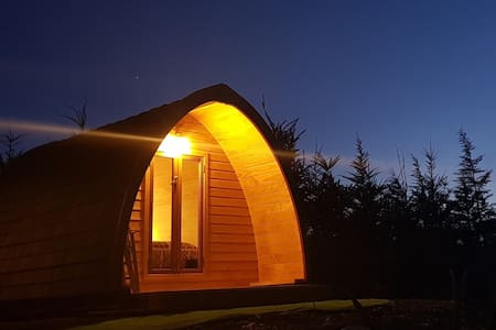 Harakeke Hut 2, glamping in an alpine environment