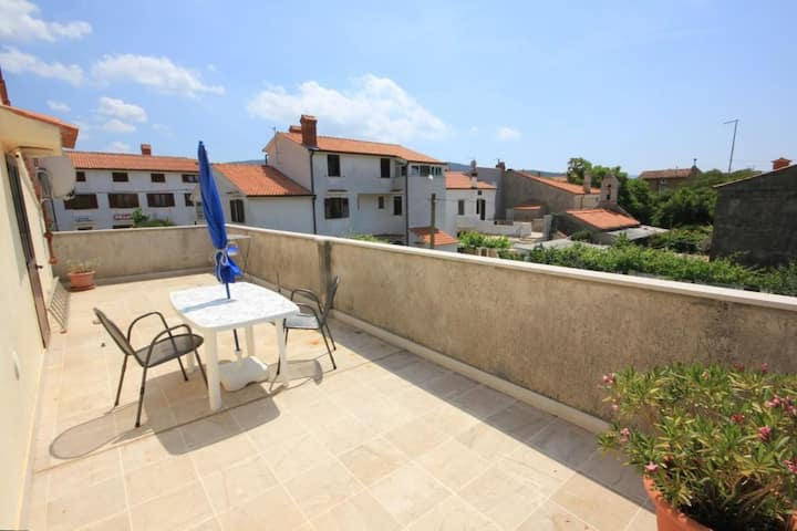 Studio flat with terrace Cres (AS-7984-a)