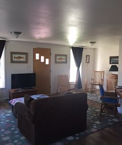 River Cottage on North Platte River & Hot Springs - House