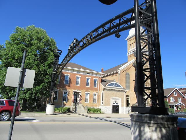 Downtown Lawrenceburg, IN @ Creation Museum & Ark