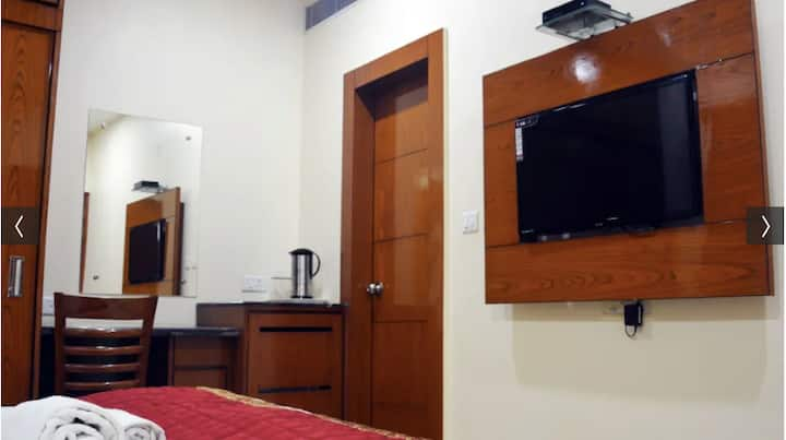 Hotel Trinity Corporate Suites - Budget friendly !