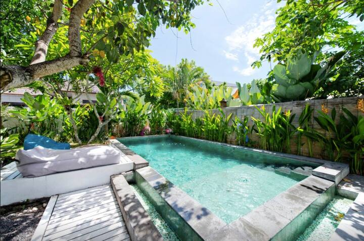 4 - ROOMS 4 RENT IN SHARED VILLA /PRIVATE BATHROOM