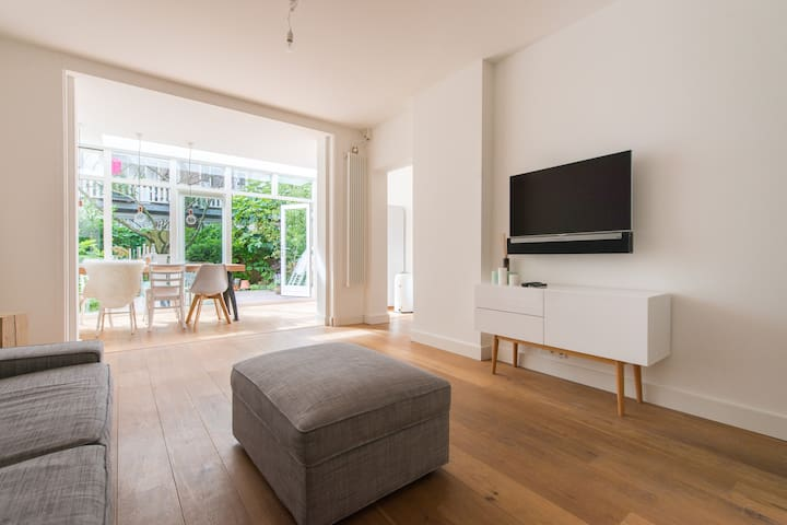Spacious apartm. 1 bedr with garden - Amsterdam - Daire