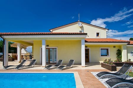 Villa Maggie-the best family vacation!!!